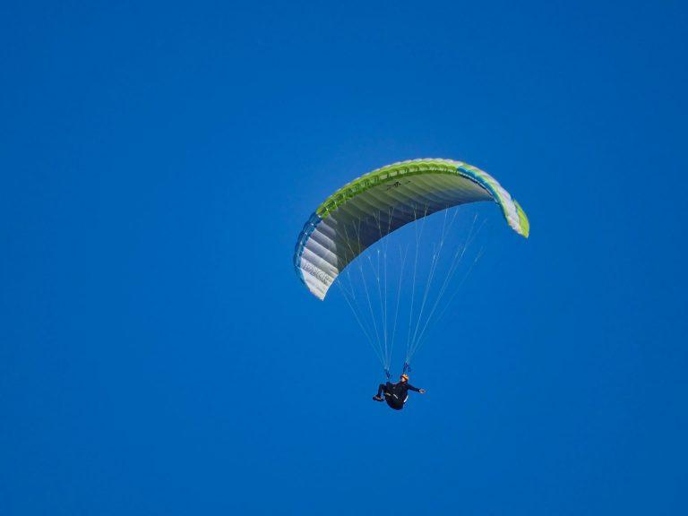 exercice en vol en stage de progression parapente