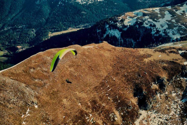 Une artik 5 en transition pendant un stage cross parapente dans le Cantal en Auvergne chez Thang-ka