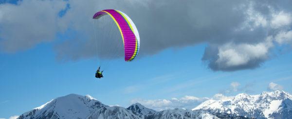 Une voile de parapente Air Design Vivo qui enroule un thermique