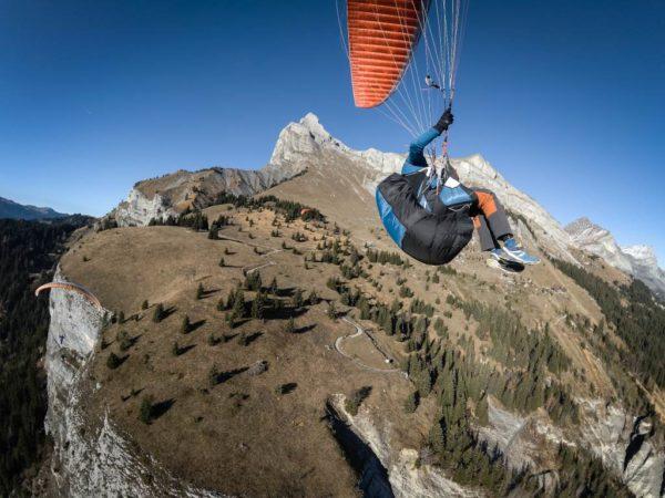 La Kortel Design Kruyer 3 équipée de son Sak 3 en vol montagne