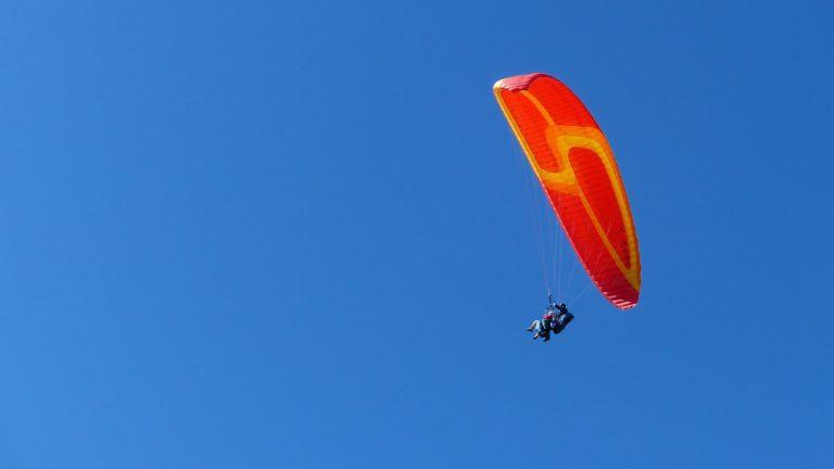 Philippe en vol bi-place avec son métis3 Rouge